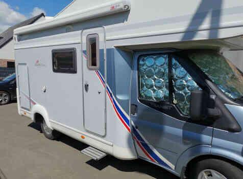 camping-car TEC FREETEC  extérieur / latéral droit