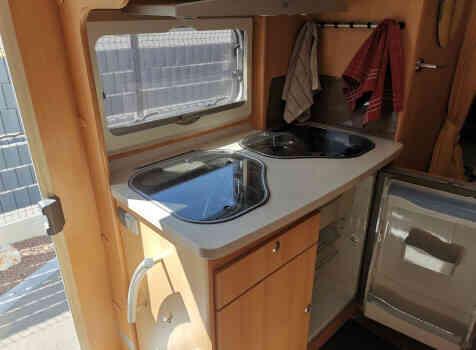 camping-car TEC FREETEC  intérieur  / coin cuisine