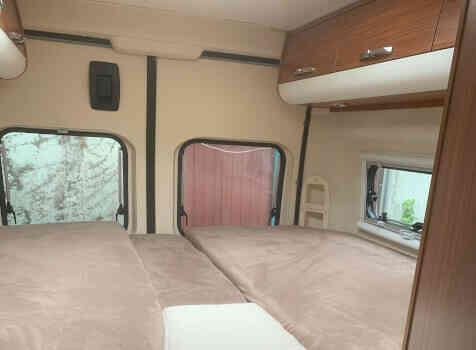 camping-car ADRIA TWIN SL   intérieur / autre couchage