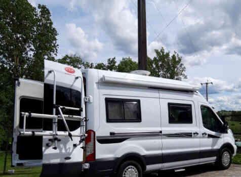 camping-car FONT VENDOME FORTYVAN  extérieur / latéral droit
