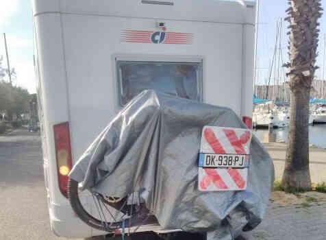 camping-car  RIVIERA 65 P  extérieur / arrière