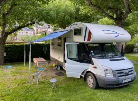 camping-car RIMOR XGO  extérieur / face avant