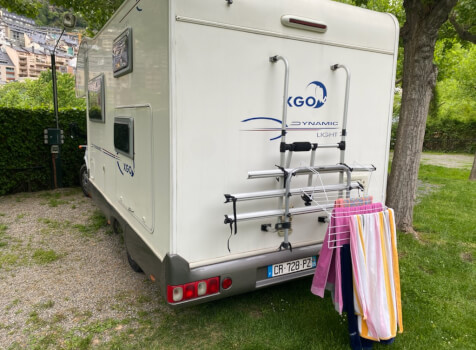 camping-car RIMOR XGO  extérieur / arrière