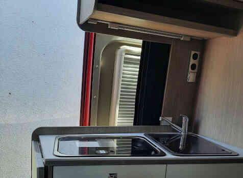 camping-car POSSL 2 WIN PLUS  intérieur  / coin cuisine