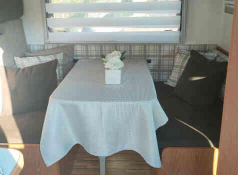 camping-car RIMOR XGO  intérieur / autre couchage
