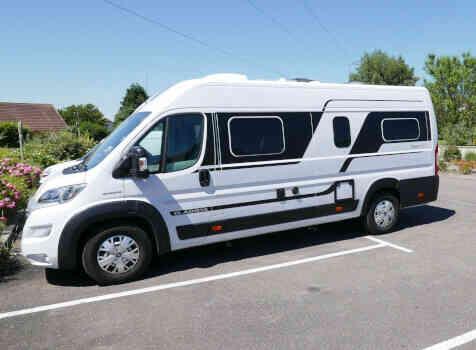 camping-car  ADRIA TWIN PLUS 640 SLB  extérieur / latéral droit