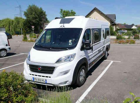 camping-car  ADRIA TWIN PLUS 640 SLB  extérieur / face avant