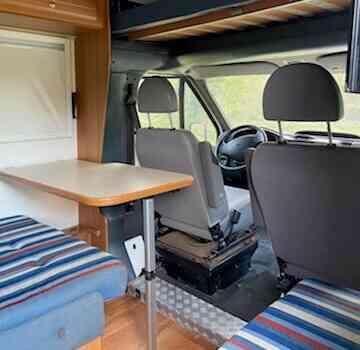 camping-car SIRIO 599  intérieur / coin salon