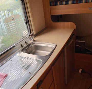 camping-car SIRIO 599  intérieur  / coin cuisine