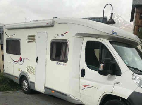 camping-car CHALLENGER GENESIS 38  extérieur / face avant