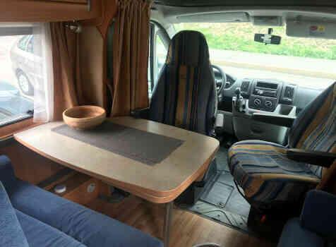 camping-car CHALLENGER GENESIS 38  intérieur / autre couchage