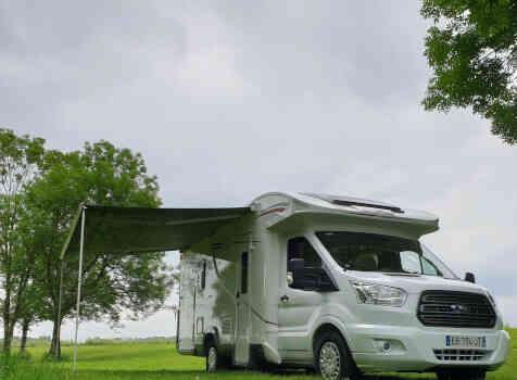 camping-car ROLLER TEAM KRONOS  extérieur / arrière