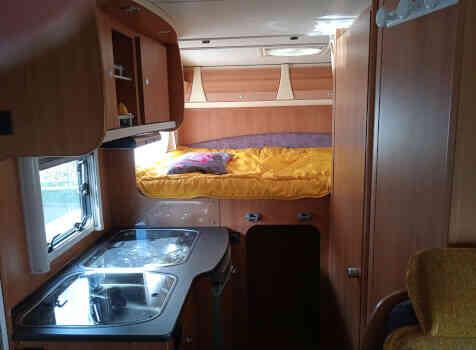 camping-car DETHLEFFS SUMMER 8   intérieur  / coin cuisine