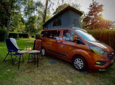 camping-car BURSTNER COPA  intérieur / autre couchage