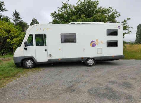 camping-car MOOVEO I 716  extérieur / face avant