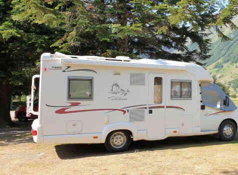 camping-car RAPIDO 786C  extérieur / latéral droit
