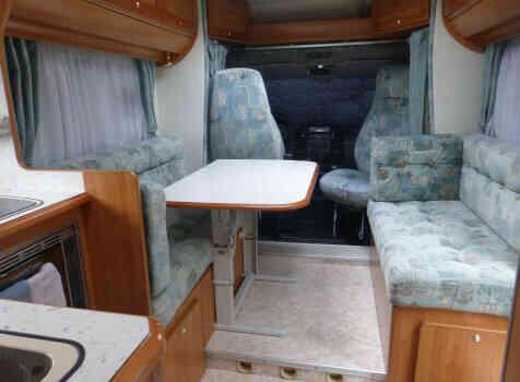 camping-car FLEURETTE GREBE  intérieur / coin salon
