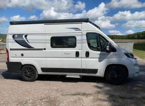 camping-car CHAUSSON TWIST V 594  extérieur / latéral droit