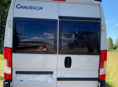 camping-car CHAUSSON TWIST V 594  extérieur / arrière