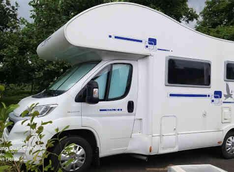 camping-car RIMOR  extérieur / latéral gauche
