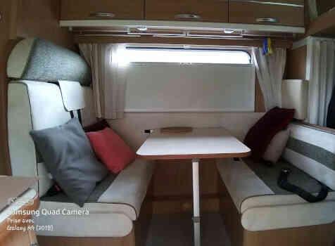 camping-car RIMOR  intérieur / coin salon