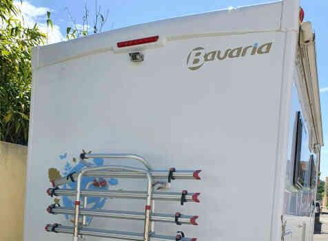 camping-car BAVARIA T072  extérieur / arrière