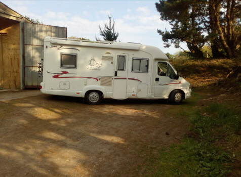 camping-car  RAPIDO 760 F  extérieur / face avant
