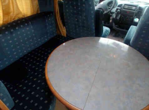 camping-car  RAPIDO 760 F  intérieur / coin salon