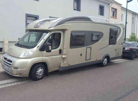 camping-car BURSTNER IT 724 IXEO PLUS  extérieur / face avant