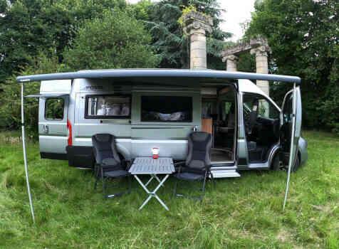 camping-car POSSL SUMMIT 600  extérieur / arrière