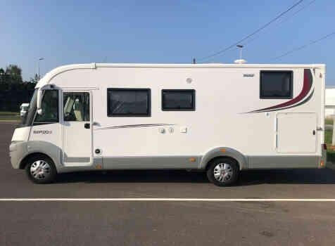 camping-car RAPIDO 866 F  extérieur / latéral droit