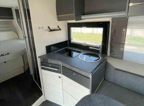 camping-car CHALLENGER 328 GRAPHITE PREMIUM  intérieur  / coin cuisine