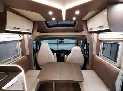 camping-car BURTSNER LYSEO PRIVILEGE TD 727 G  intérieur / coin salon