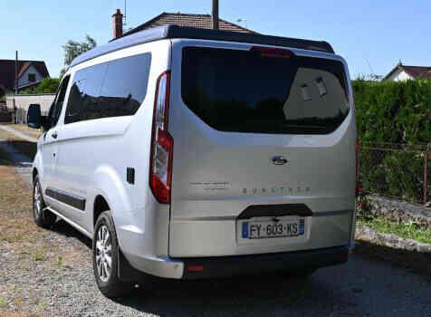 camping-car TRANSIT CUSTOM  extérieur / arrière