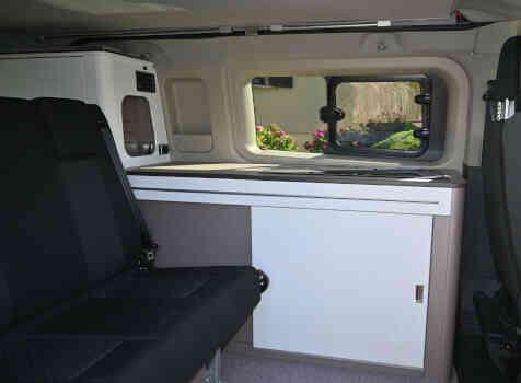 camping-car TRANSIT CUSTOM  intérieur / coin salon