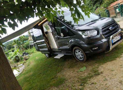 camping-car FONT VENDOME FORTYVAN  extérieur / face avant