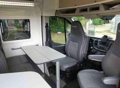 camping-car FONT VENDOME FORTYVAN  intérieur / coin salon
