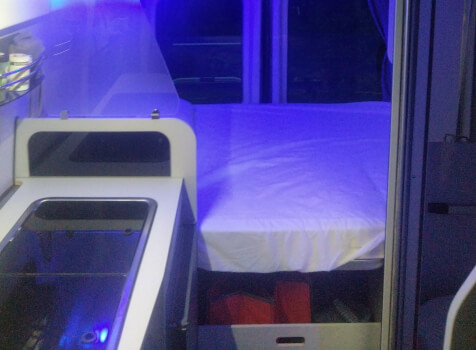 camping-car FONT VENDOME FORTYVAN  intérieur / couchage principal