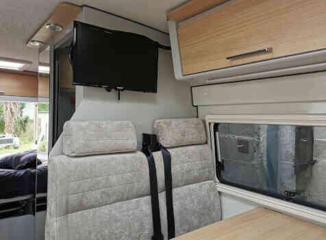 camping-car FONTVENDOME LEADER CAMP  intérieur / coin salon
