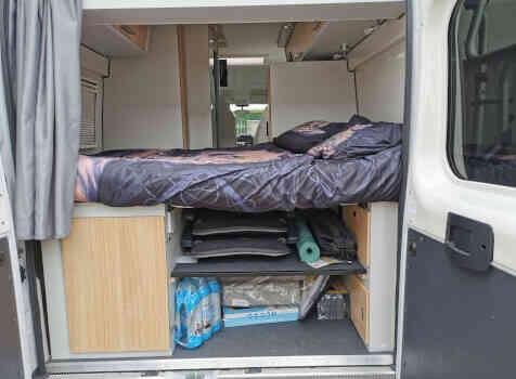 camping-car FONTVENDOME LEADER CAMP  intérieur / autre couchage