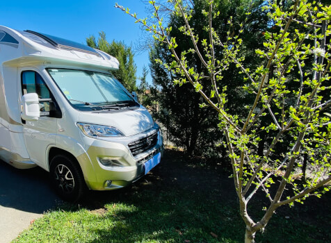 camping-car  ADRIA  SINFONIA 65 XT  extérieur / face avant