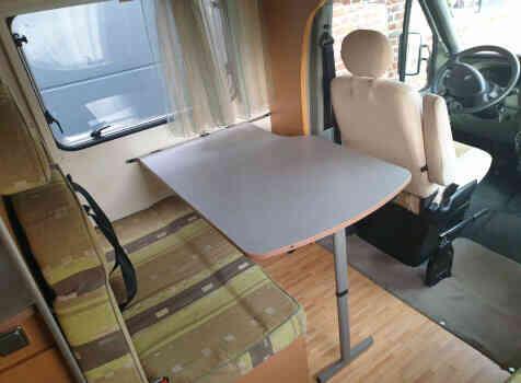 camping-car MOOVEO  intérieur / coin salon