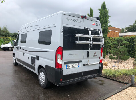 camping-car FONT VENDOME LEADER VAN  extérieur / arrière