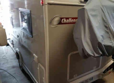 camping-car CHALLENGER 348 XLB  extérieur / arrière