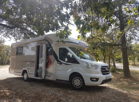 camping-car CHALLENGER 348 XLB  extérieur / latéral gauche