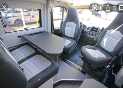 camping-car ADRIA SPB SUPREME 640  intérieur / coin salon