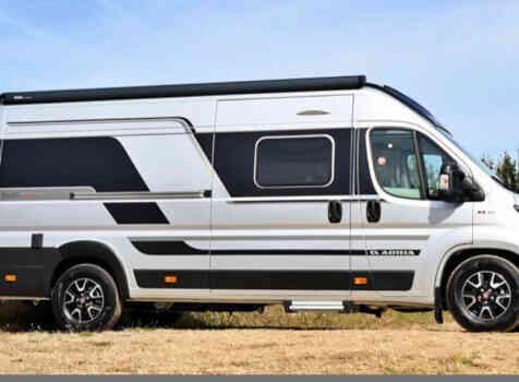 camping-car ADRIA SPB SUPREME 640  extérieur / latéral droit