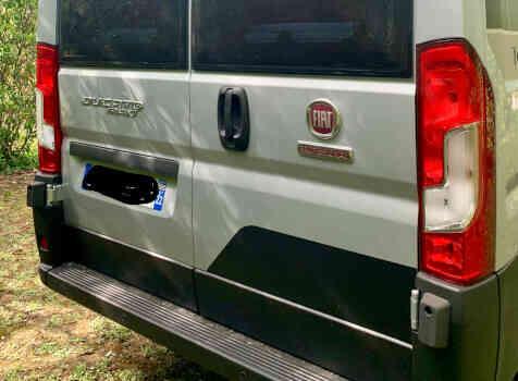 camping-car ADRIA SPB SUPREME 640  extérieur / arrière