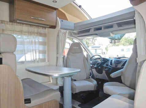 camping-car CHALLENGER GENESIS 388 EB  intérieur / coin salon