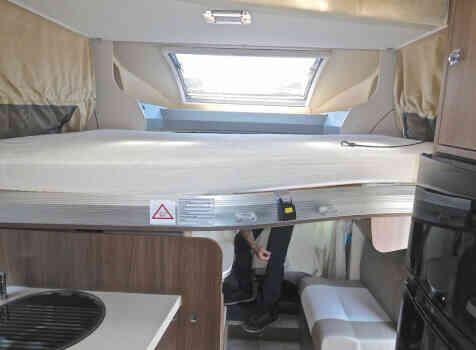 camping-car CHALLENGER GENESIS 388 EB  intérieur / autre couchage